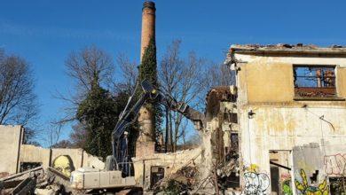 """Photo of Al via la demolizione dei capannoni """"Ex Europa"""" in zona stazione"""